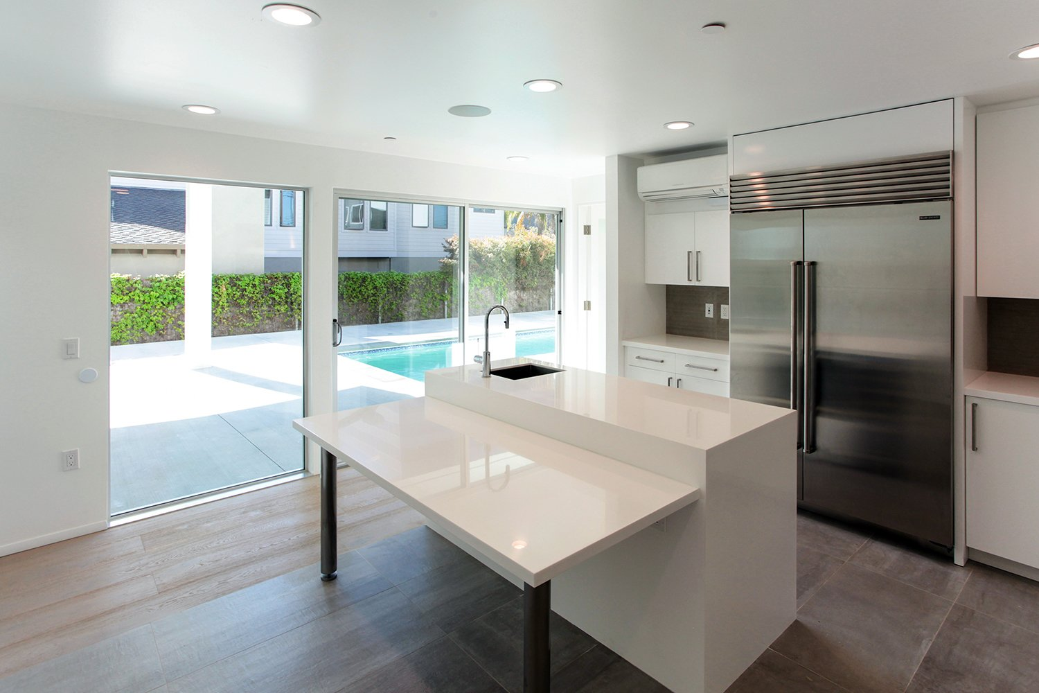 Kitchen Yale St Residence by Lincoln Chung Architect