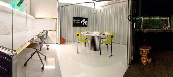 Meeting room at Tiovivo Creativo Workplace Photo  of Workplace & office: Tiovivo Creativo Coworking modern home