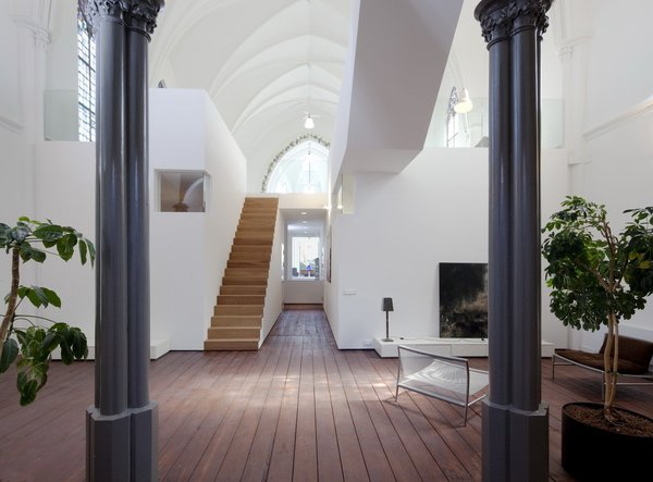 Photo 2 of Woonkerk XL modern home