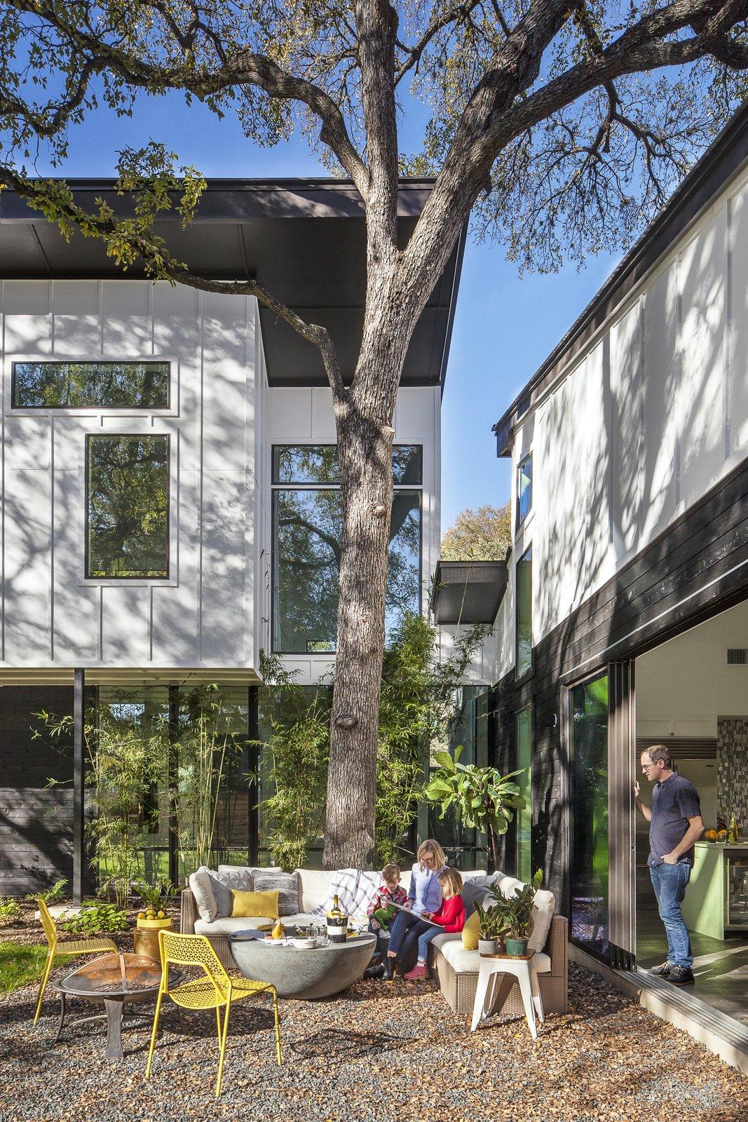 Strass Residence by Matt Fajkus Architecture | Photography: Atelier Wong Photography  Strass Residence by Matt Fajkus Architecture