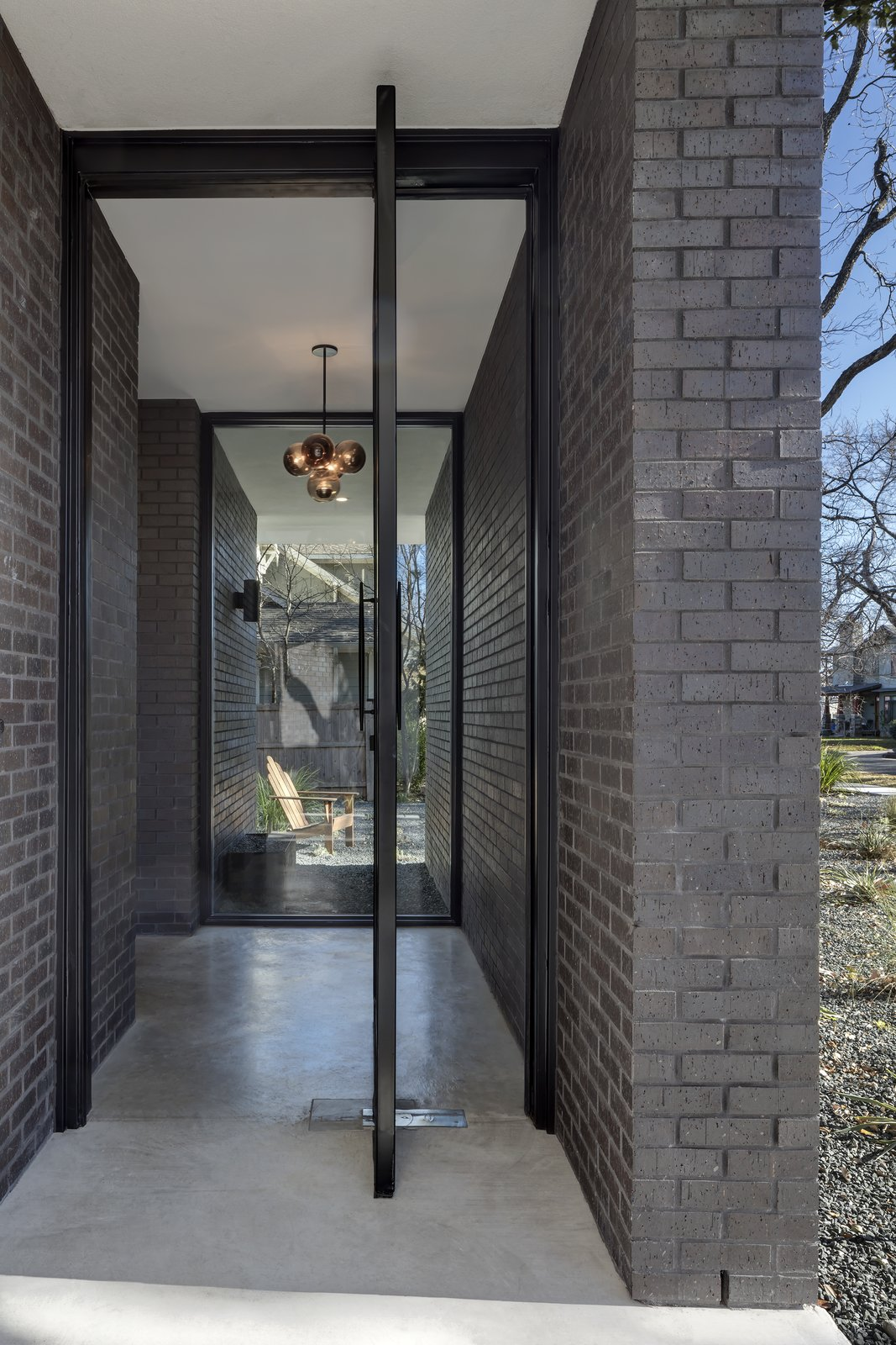 Main Stay House by Matt Fajkus Architecture | Photography: Charles Davis Smith Photo 3 of Main Stay House modern home