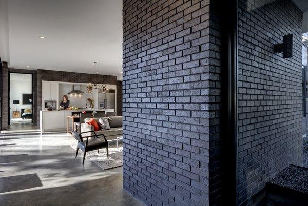 Main Stay House by Matt Fajkus Architecture | Photography: Charles Davis Smith Photo 4 of Main Stay House modern home
