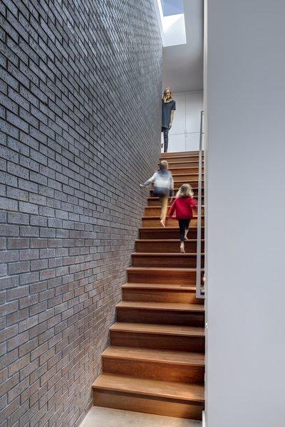 Main Stay House by Matt Fajkus Architecture | Photography: Charles Davis Smith Photo 5 of Main Stay House modern home