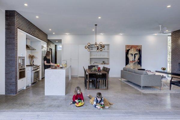 Main Stay House by Matt Fajkus Architecture | Photography: Charles Davis Smith Photo 6 of Main Stay House modern home