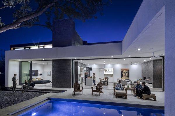 Main Stay House by Matt Fajkus Architecture | Photography: Charles Davis Smith Photo 8 of Main Stay House modern home
