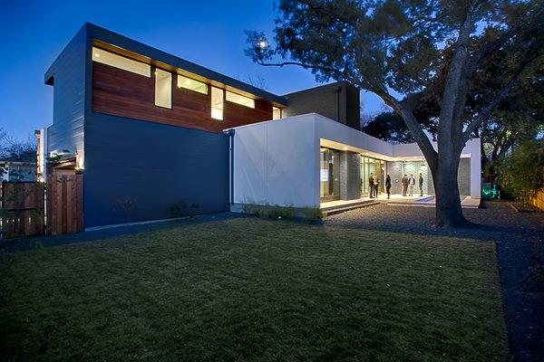 Main Stay House by Matt Fajkus Architecture | Photography: Charles Davis Smith Photo 10 of Main Stay House modern home