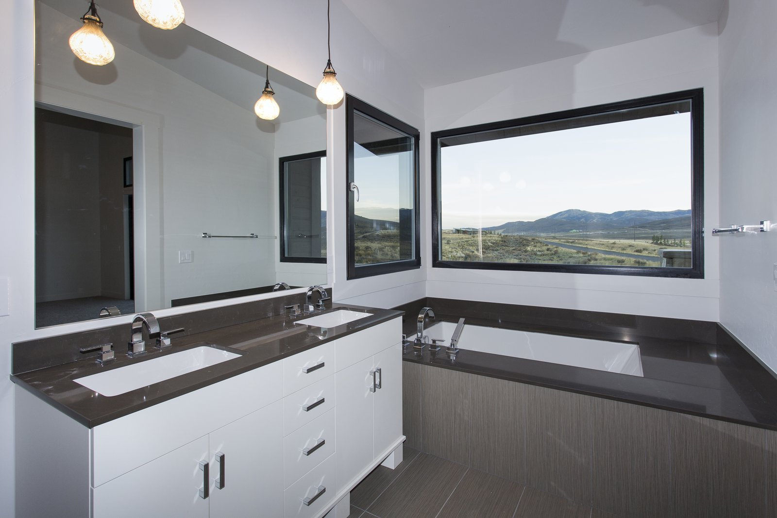 Master bathroom Palisades 14 by The Muve Group