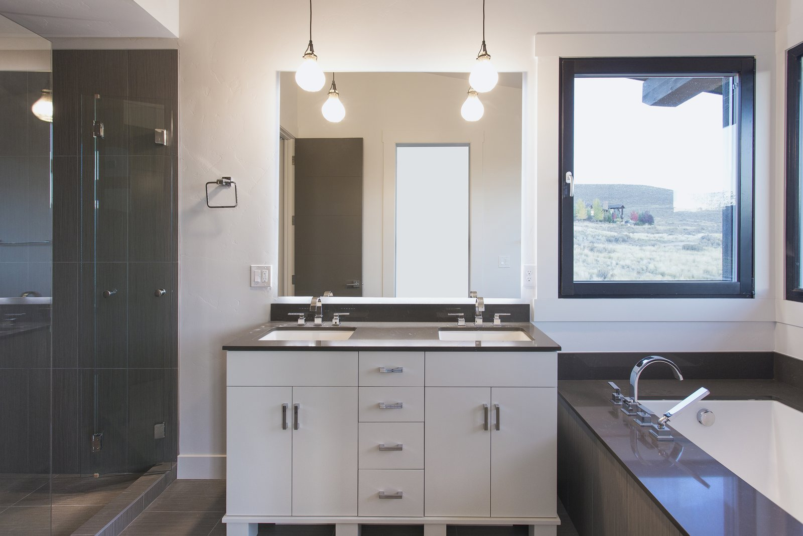 Master Bath  Palisades 14 by The Muve Group