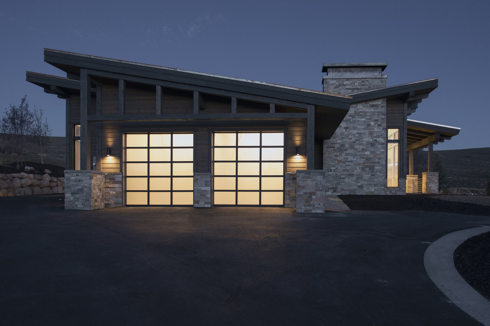 Garage  Palisades 14 by The Muve Group