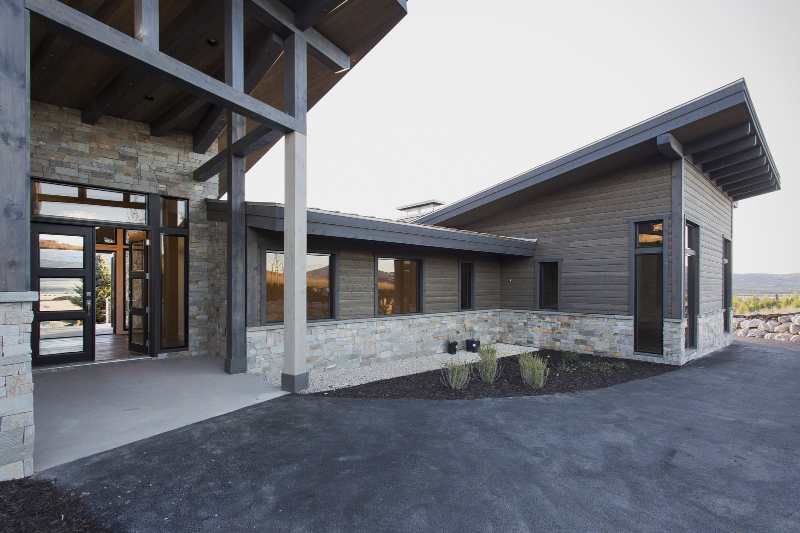 Front Entry  Palisades 14 by The Muve Group