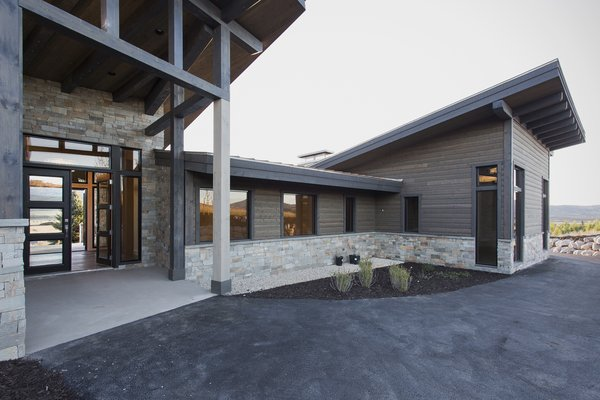Front Entry Photo 7 of Palisades 14 modern home