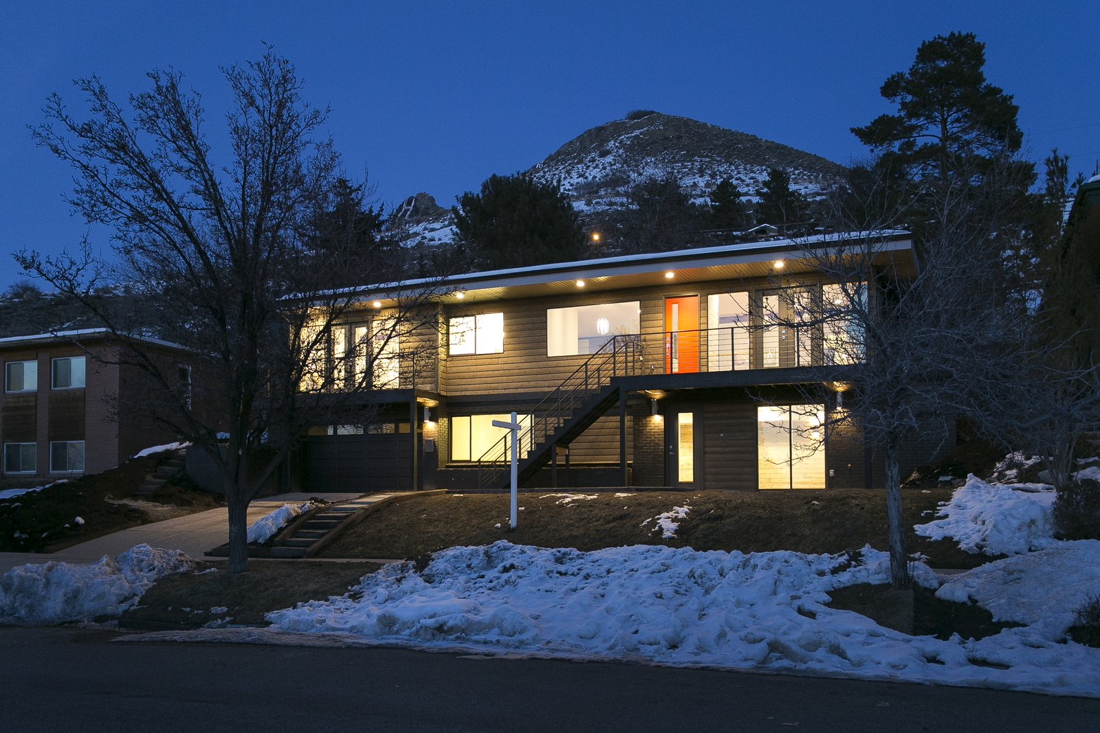 This home sits on .31 acres but may as well be more as you have no neighbors behind you, just the beautiful Wasatch National Forest. Who doesn't want a mountain in their back yard?