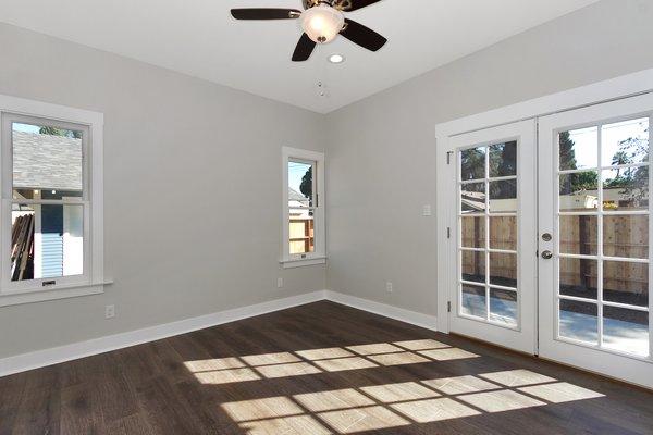 Photo 7 of Elmwood modern home