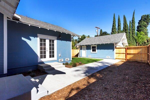 Photo 14 of Elmwood modern home