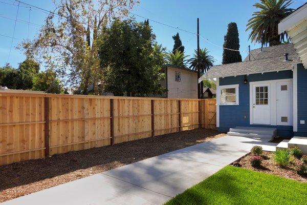Photo 16 of Elmwood modern home