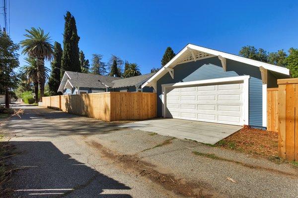 Photo 18 of Elmwood modern home