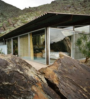Transformers of the Modern House: Albert Frey and Lina Bo Bardi at the Palm Springs Art Museum - Photo 5 of 10 - The Frey II House embedded in the rocky hillside of Palm Springs