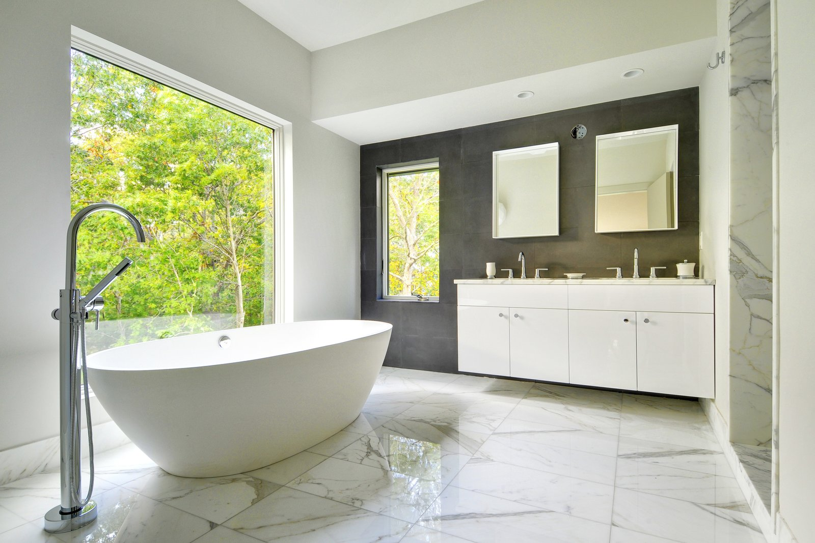 Master bathroom  Oyster Shores by Yankee Barn Homes