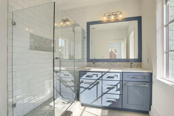 Photo 3 of Braes Heights Home- Merrick modern home