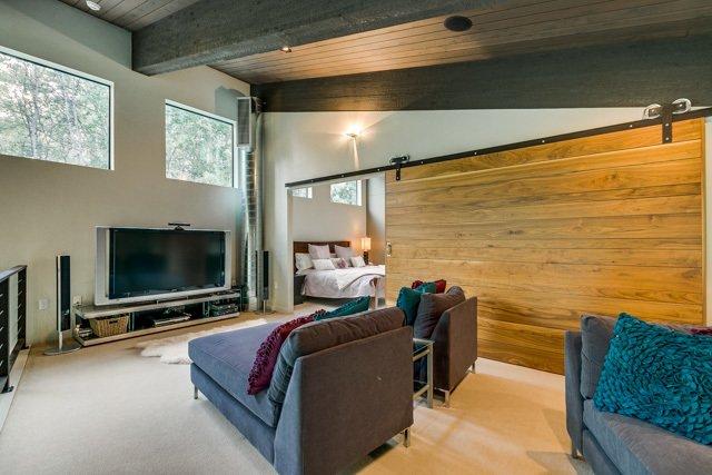 The Modern Cabin by Steve Osburn