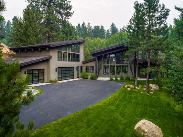 Photo  of The Modern Cabin modern home