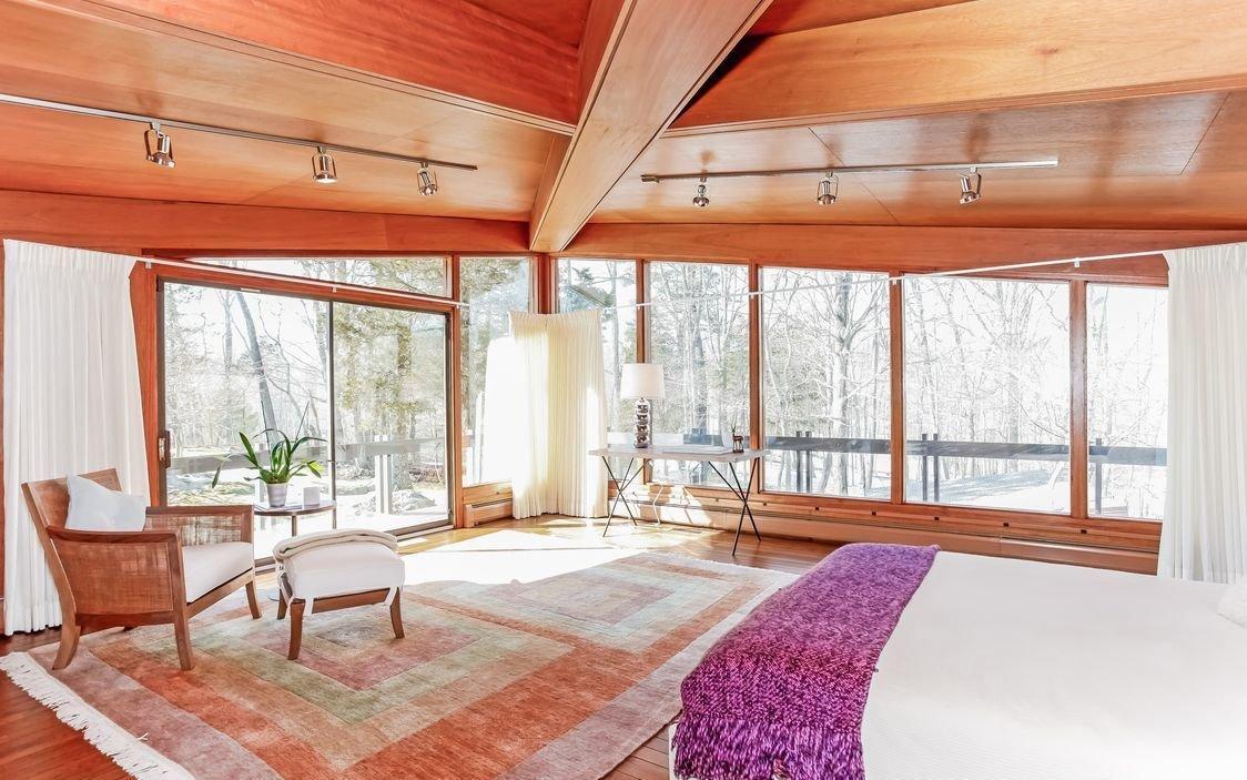 See more: http://www.houlihanlawrence.com/property/103636963/280-salem-road-pound-ridge-ny-10576  David Henken Original by Houlihan Lawrence
