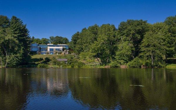Photo 3 of Lakeside Modern modern home