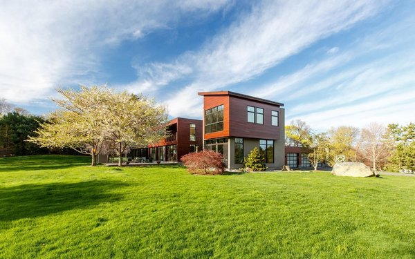 Photo  of Sustainable Luxury in Darien modern home