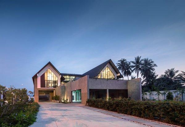 Photo  of Baan Klang Suan modern home
