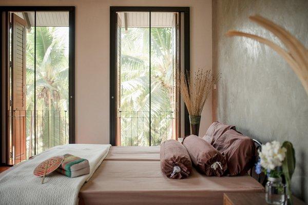 Photo 5 of Baan Klang Suan modern home