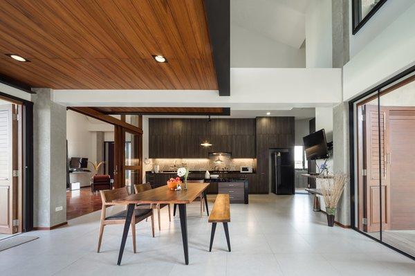 Photo 7 of Baan Klang Suan modern home