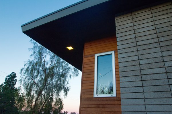 Photo 6 of Edgewood modern home