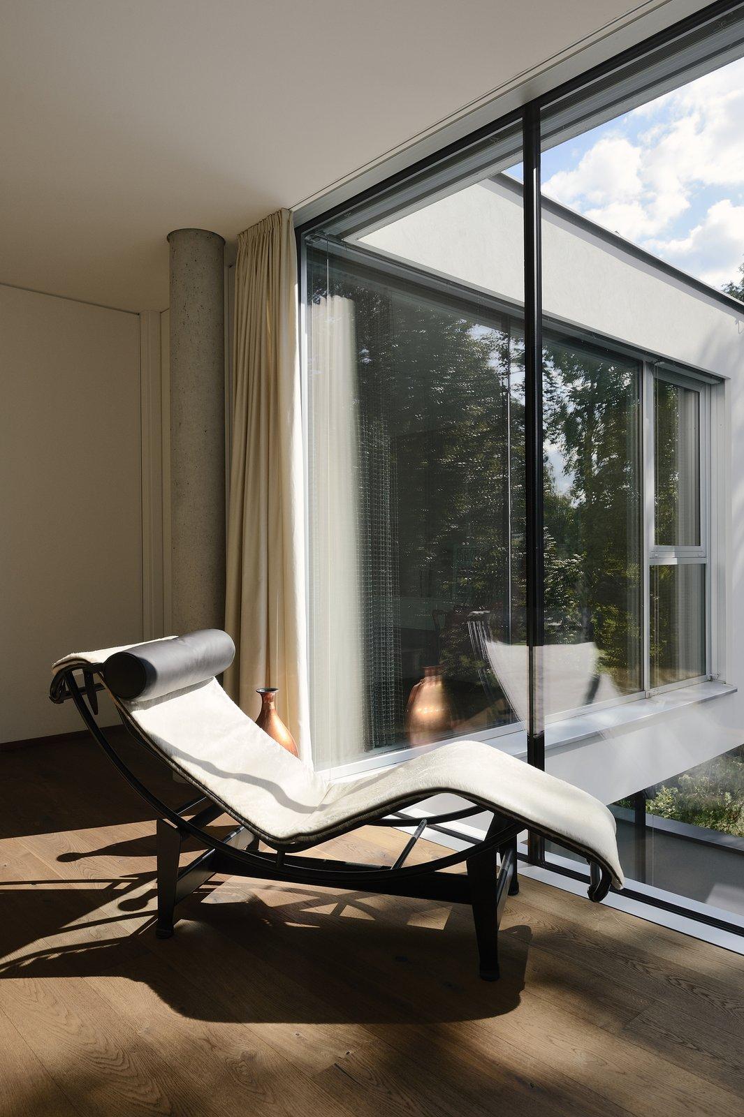 LC chair H_O by Architect Zoran Bodrozic