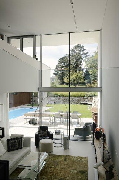 Living room Photo 11 of H_O modern home