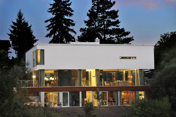 North view in the evening Photo  of 360° Villa modern home