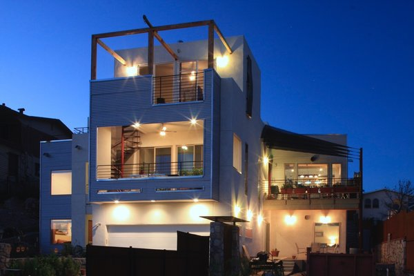 Photo  of Casa Wheeling modern home