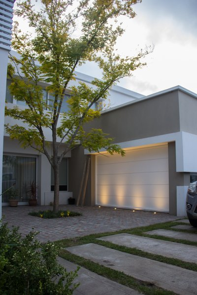 Modern home with office. Photo 2 of casa ddc