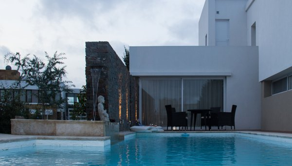 Modern home with outdoor. Photo 4 of casa ddc