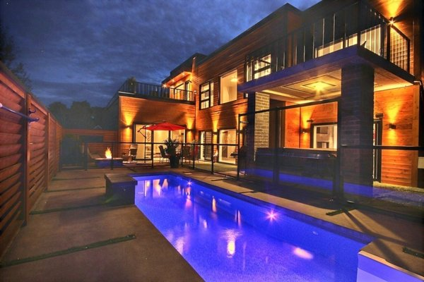 Pool area at night Photo  of Keps Haus 2.0 California Style in Canada modern home