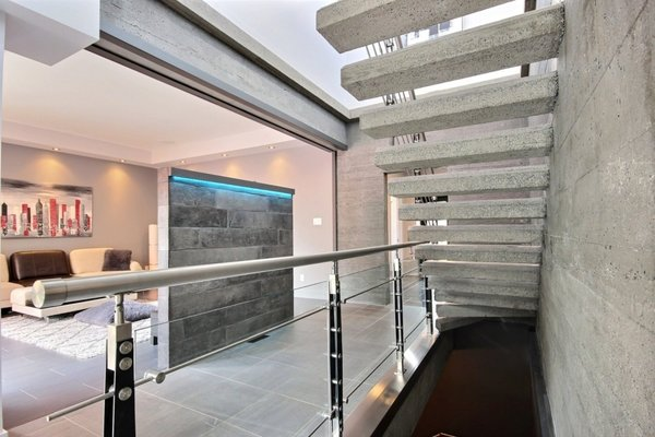Concrete stairs Photo 6 of Keps Haus 2.0 California Style in Canada modern home