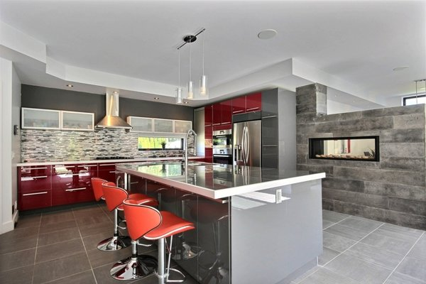 Heated floor kitchen Photo 9 of Keps Haus 2.0 California Style in Canada modern home