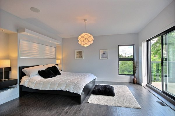 Hotel bedroom style with balcony Photo 12 of Keps Haus 2.0 California Style in Canada modern home