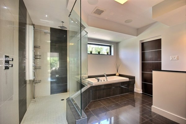Heated floor bathroom Photo 14 of Keps Haus 2.0 California Style in Canada modern home