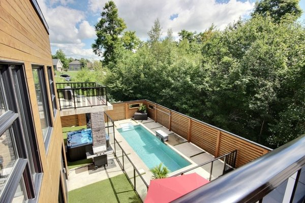 Rooftop terrace pool view Photo 18 of Keps Haus 2.0 California Style in Canada modern home
