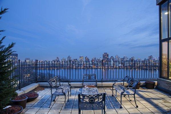 Terrace overlooking Central Park Reservoir Photo 2 of Magical Manhattan Penthouse modern home
