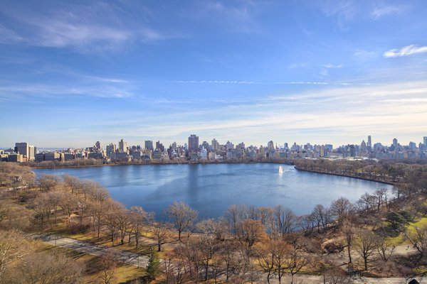 Full Reservoir / Skyline View from the Terrace Photo 13 of Magical Manhattan Penthouse modern home