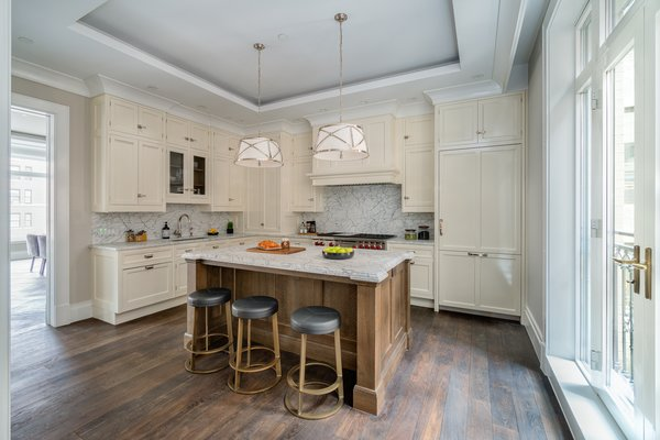 Eat-in kitchen, practical and beautiful Photo 2 of Grand for Entertaining modern home