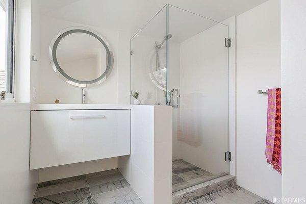 Top Floor Suite - Bathroom Photo 2 of Coleridge Residence modern home