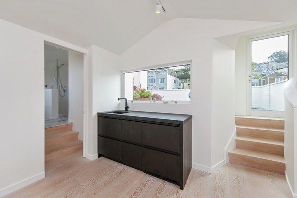 Top Floor Suite Photo 12 of Coleridge Residence modern home