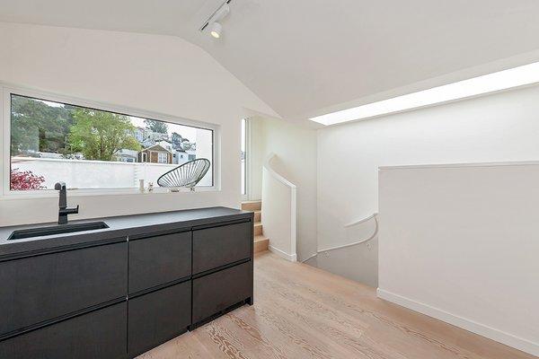 Top Floor Suite Photo 15 of Coleridge Residence modern home